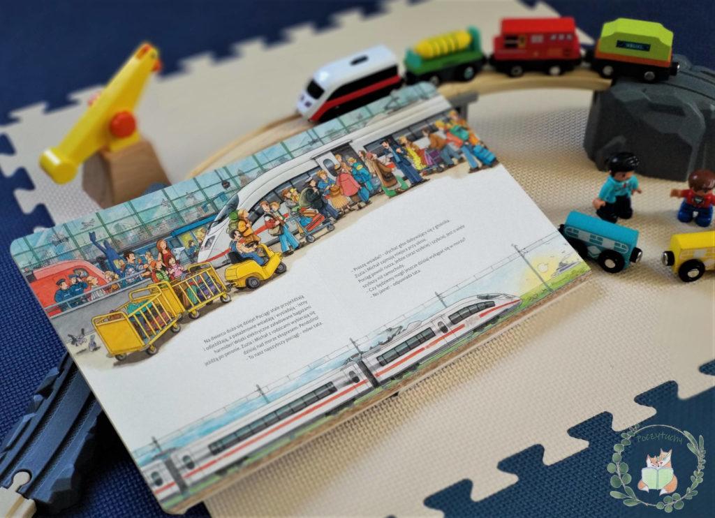 """""""Moje pierwsze podróże pociągiem"""" zabawa z książką"""